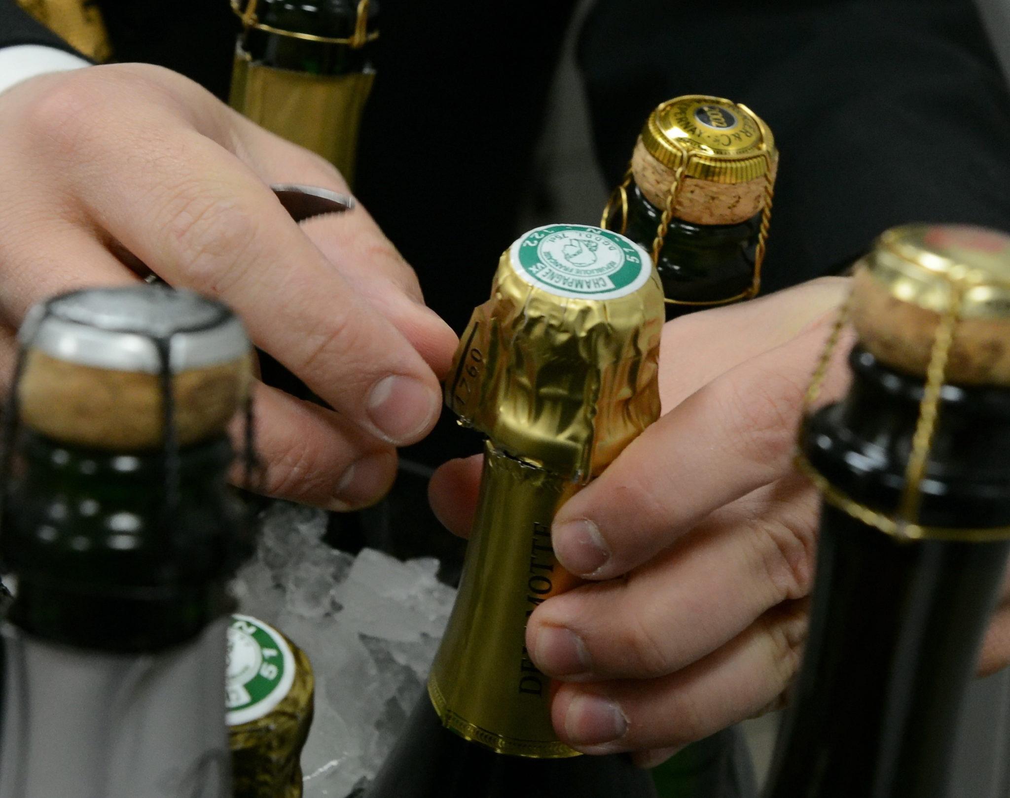 Préceptes pour le soupir d'une bouteille de champagne