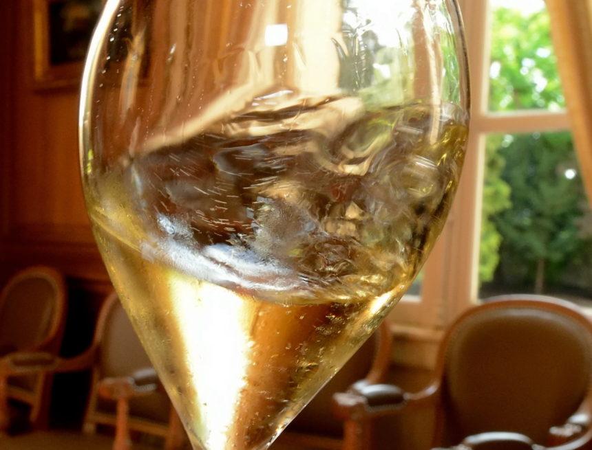 Cotations des vins, Krug 2002, Cristal 2007 et Comtes de Champagnes 2005  très performants.