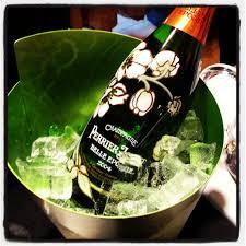 Le champagne Perrier-Jouët au gala de l'amfAR à Cannes.