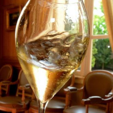 Le champagne, ce n'est pas du mousseux ! Victoire du Comité Champagne sur une compagnie aérienne canadienne