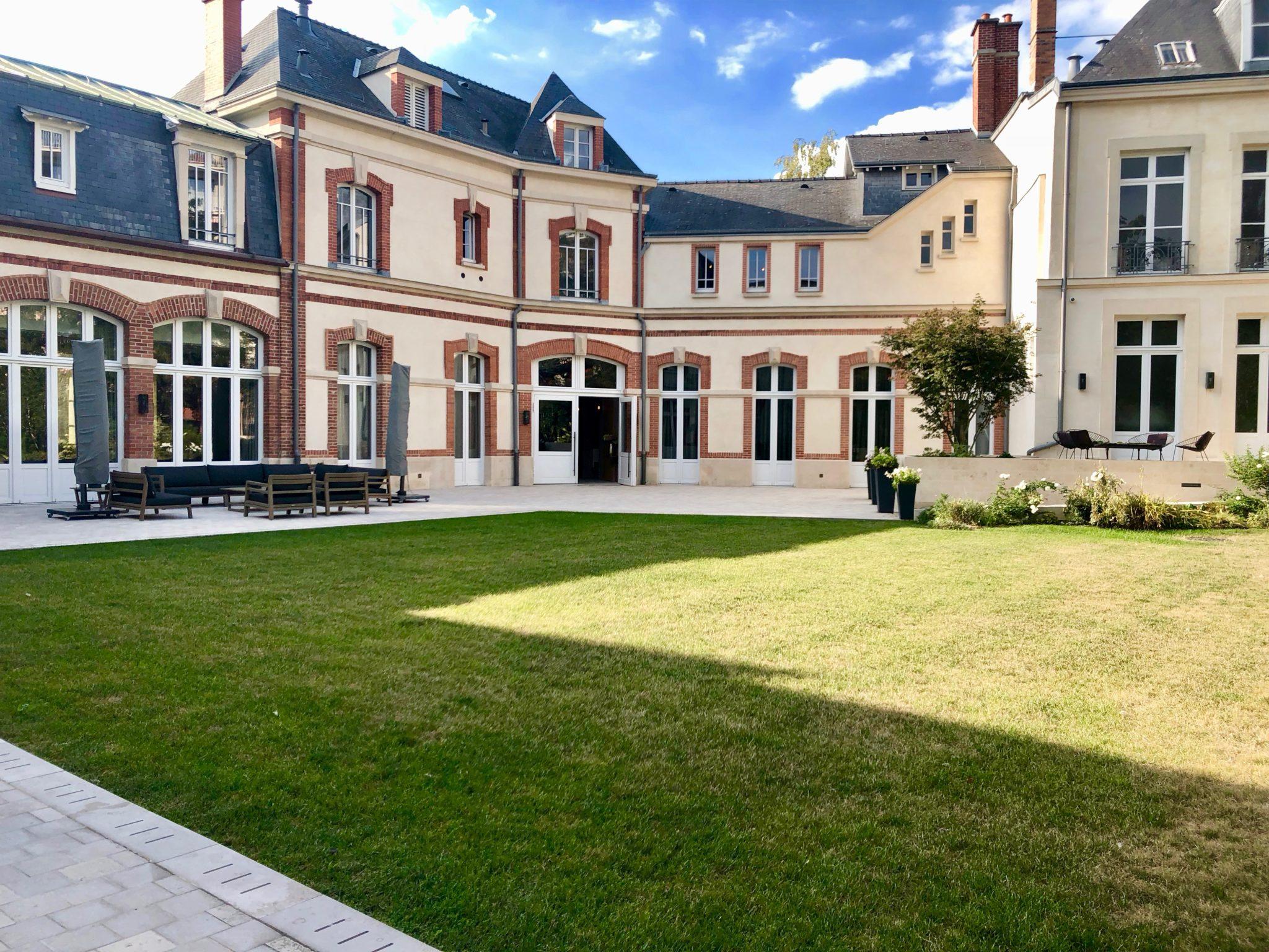 La maison Krug, un havre de paix sur le boulevard Lundy à Reims.