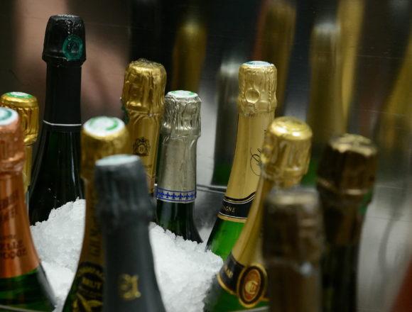 Débouchez votre bouteille de champagne comme un pro !