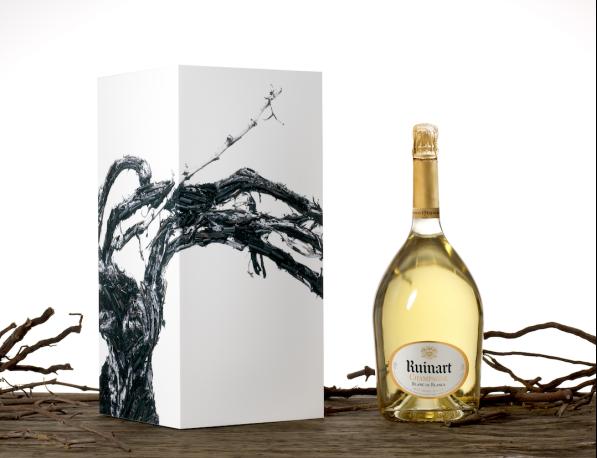L'emblématique Blanc de Blancs de Ruinart en jéroboam signé Vic Muniz propose une seconde vie… en guéridon
