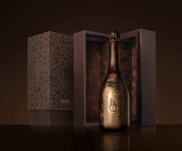 Un vintage (480$) et un rosé vintage (550$) le rappeur canadien Drake lance deux nouvelles cuvées de champagne