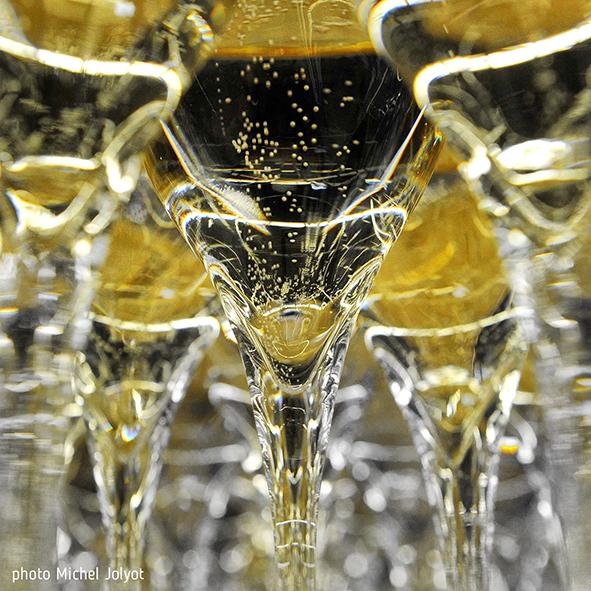 297, 4 millions de bouteilles en 2019 ! Premières estimations des chiffres des expéditions de champagne